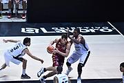 DESCRIZIONE : Bologna Lega A 2015-16 Obiettivo Lavoro Virtus Bologna - Umana Reyer Venezia<br /> GIOCATORE : Benjamin Ortner<br /> CATEGORIA : Palleggio Penetrazione<br /> SQUADRA : Umana Reyer Venezia<br /> EVENTO : Campionato Lega A 2015-2016<br /> GARA : Obiettivo Lavoro Virtus Bologna - Umana Reyer Venezia<br /> DATA : 04/10/2015<br /> SPORT : Pallacanestro<br /> AUTORE : Agenzia Ciamillo-Castoria/GiulioCiamillo<br /> <br /> Galleria : Lega Basket A 2015-2016 <br /> Fotonotizia: Bologna Lega A 2015-16 Obiettivo Lavoro Virtus Bologna - Umana Reyer Venezia