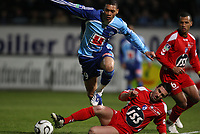 Fotball<br /> Frankrike<br /> Foto: DPPI/Digitalsport<br /> NORWAY ONLY<br /> <br /> FOOTBALL - FRENCH CHAMPIONSHIP 2007/2008 - L2 - LE HAVRE AC v FC GRENOBLE - 08/02/2008 - GUILLAUME HOARAU (HAC) / MAXENCE FLACHEZ  (GRE)
