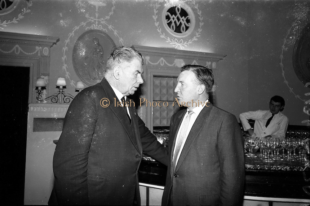 18/11/1964<br /> 11/23/1964<br /> 18 November 1964<br /> <br /> At the National Dairy Publicity Council held in the Shelbourne Hotel Dublin. Picture shows Mr. M.J. Mullally Chairman National Dairy Publicity Councilo chatting with Mr. Charles Haughey.