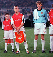 John Lukic lines up with Lee Dixon before the game. Lazio v Arsenal, Champions League, 17/10/2000. Credit: Colorsport / Stuart MacFarlane