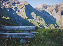 THEMENBILD - ein Rastplatz mitten in der Natur mit Blick auf die Berge des Nationalpark Hohe Tauern. Die Grossglockner Hochalpenstrasse verbindet die beiden Bundeslaender Salzburg und Kaernten mit einer Laenge von 48 Kilometer und ist als Erlebnisstrasse vorrangig von touristischer Bedeutung, aufgenommen am 09. August 2018 in Fusch an der Glocknerstrasse, Österreich // a resting place in the middle of nature with a view of the mountains of the Hohe Tauern National Park. The Grossglockner High Alpine Road connects the two provinces of Salzburg and Carinthia with a length of 48 km and is as an adventure road priority of tourist interest, Fusch an der Glocknerstrasse, Austria on 2018/08/09. EXPA Pictures © 2018, PhotoCredit: EXPA/ Stefanie Oberhauser