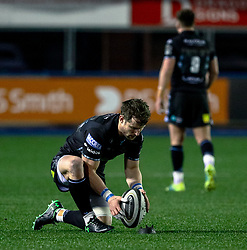 Peter Horne of Glasgow Warriors lines up a kick at goal<br /> <br /> Photographer Simon King/Replay Images<br /> <br /> Guinness PRO14 Round 15 - Cardiff Blues v Glasgow Warriors - Saturday 16th February 2019 - Cardiff Arms Park - Cardiff<br /> <br /> World Copyright © Replay Images . All rights reserved. info@replayimages.co.uk - http://replayimages.co.uk