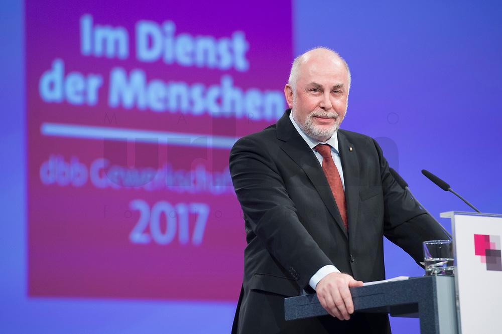 21 NOV 2017, BERLIN/GERMANY:<br /> Ulrich Silberbach, dbb Bundesvorsitzender, Gewerkschaftstag Deutscher Beamtenbund und Tarifunion, Estrell Convention Center<br /> IMAGE: 20171121-01-073<br /> KEYWORDS: dbb