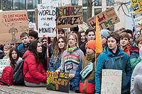 """22 MAR 2019, BERLIN/GERMANY:<br /> Kinder, Schueler und Jugendliche demonstrieren bei einer Demo """"Fridays for Future"""" fuer mehr Klimaschutz, Invalidenpark<br /> IMAGE: 20190322-01-049<br /> KEYWORDS: Demonstration, Protest, portester, Youth, Clima, climate change, Demonstranten, Klimarettung, Demo, Schulstreik, Streik, Schüler, Klimawandel."""