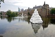 Foto: Gerrit de Heus. Den Haag. 06/06/08. Den Haag Sculptuur. Hofvijver