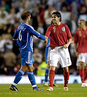 Photo: Jed Wee.<br /> England v Greece. International Friendly. 16/08/2006.<br /> <br /> England's Owen Hargreaves (R) is named man of the match.