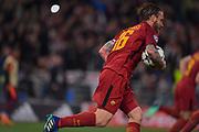 Foto Fabio Rossi/AS Roma/ LaPresse<br /> 10/4/2018 Roma (Italia)<br /> Sport Calcio<br /> Roma-FC Barcellona<br /> UEFA Champions League 2017/2018 - Stadio Olimpico di Roma<br /> Nella foto: De Rossi festeggia il goal<br /> <br /> Photo  Fabio Rossi/AS Roma/ LaPresse<br /> 10/4/2018 Rome (Italy)<br /> Sport Football<br /> Roma-FC Barcelona<br /> UEFA Champions League  2017/2018 - Stadio Olimpico di Roma<br /> In the pic: De Rossi celebrates his goal