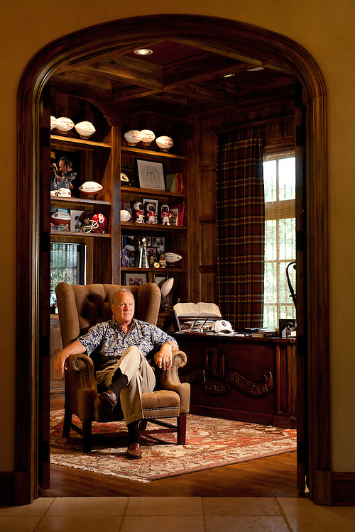 Portrait of Barry Switzer,.former Head Coach of the University of Oklahoma and.Dallas Cowboys..Photographed at his home in Norman, OK.Friday, June 9 2006..Photograph by Darren Carroll