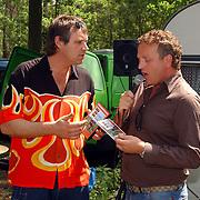"""Uitreiking DVD Sjaak Bral """"Hurken in de Berm"""", en Gordon Heuckeroth"""