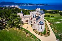 France, Pyrénées-Atlantiques (64), la côte du Pays-Basque, Hendaye, chateau d'Abbadia construit en 1870 par Eugène Viollet-le-Duc pour Antoine d'Abbadie d'Arrast // France, Pyrénées-Atlantiques (64), the coast of the Basque Country, Hendaye, Chateau d'Abbadia built in 1870 by Eugène Viollet-le-Duc for Antoine d'Abbadie d'Arrast