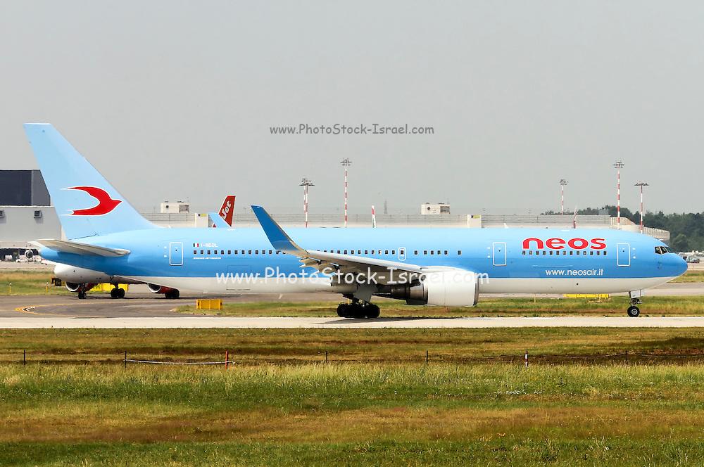 I-NDDL Neos Boeing 767-324(ER)(WL) at Milan - Malpensa (MXP / LIMC)