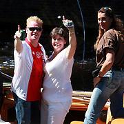 NLD/Amsterdam/20070804 - Gaypride Canalparade 2007, Rita Verdonk en organisator Hugo Braakhuis met beveiliging