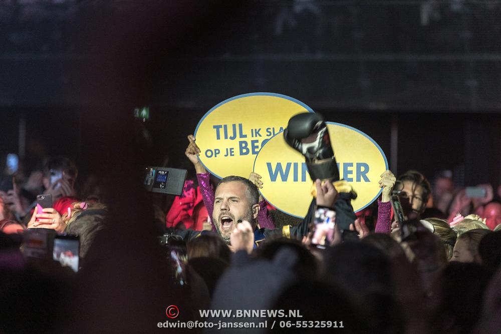 NLD/Amsterdam/20191115 - Chantals Pyjama Party in Ziggo Dome, Tijl Beckand