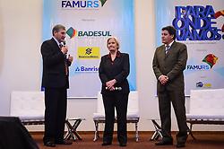 O Pres. da Famurs, Seger Menegaz e a candidata ao governo do Estado Ana Amélia Lemos durante o 34º Congresso de Municípios, no Plaza São Rafael, em Porto Alegre. FOTO: Vinícius Costa/Agência Preview