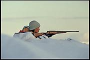 Inuit mother and child, Baffin Island, Canada - OGGI MAGAZINE (Italy)