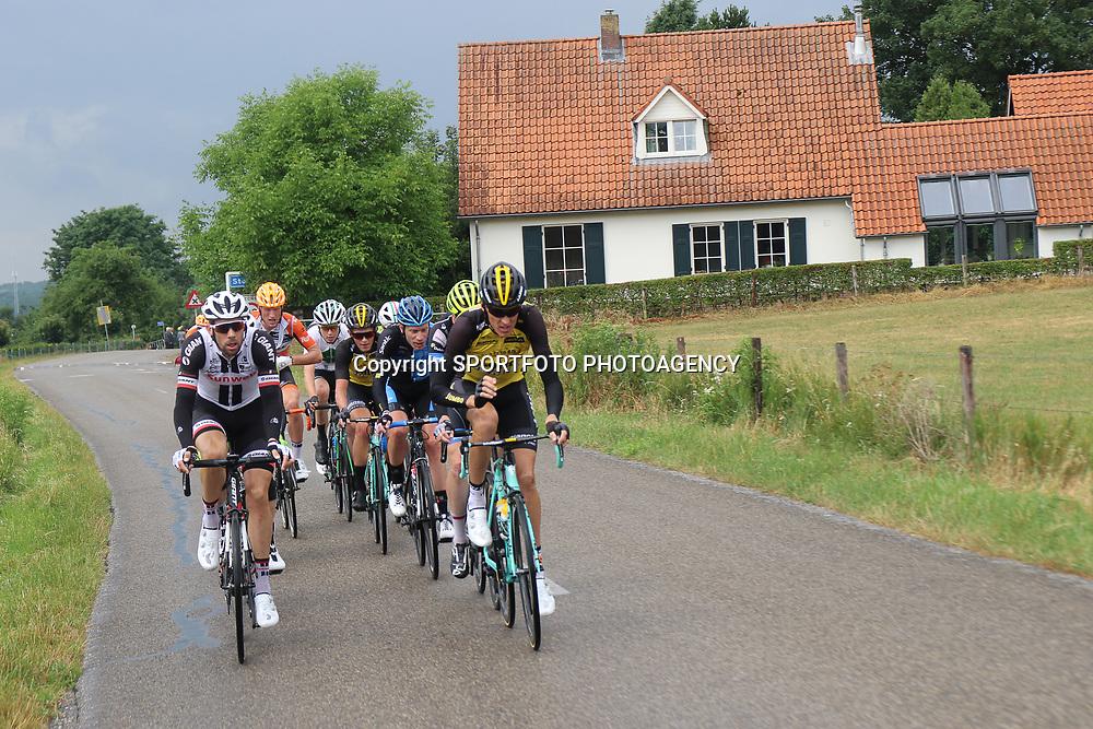 25-06-2017: Wielrennen: NK weg elite: Montferland<br />s-Heerenberg (NED) wielrennen<br />NK Wielrennen Elite  <br />o.a Gesink, de Jonge, Bouwman, Timmer mee in de kopgroep