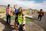 Iris Slappendel loopt met haar trainer naar de auto. Het Human Power Team Delft en Amsterdam, dat bestaat uit studenten van de TU Delft en de VU Amsterdam, is in Amerika om tijdens de World Human Powered Speed Challenge in Nevada een poging te doen het wereldrecord snelfietsen voor vrouwen te verbreken met de VeloX 7, een gestroomlijnde ligfiets. Het record is met 121,44 km/h sinds 2009 in handen van de Francaise Barbara Buatois. De Canadees Todd Reichert is de snelste man met 144,17 km/h sinds 2016.<br /> <br /> With the VeloX 7, a special recumbent bike, the Human Power Team Delft and Amsterdam, consisting of students of the TU Delft and the VU Amsterdam, wants to set a new woman's world record cycling in September at the World Human Powered Speed Challenge in Nevada. The current speed record is 121,44 km/h, set in 2009 by Barbara Buatois. The fastest man is Todd Reichert with 144,17 km/h.