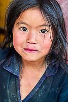 Vietnam. haut Tonkin. Region de Sapa. Enfant d'ethnic Hmong Noir. // Vietnam. North Vietnam. Sapa area. Children from Black Hmong ethnic group.