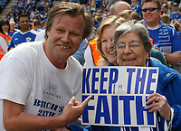 Photo: Steve Bond/Richard Lane Photography. <br />Leicester City v Sheffield Wednesday. Coca-Cola Championship. 26/04/2008. Celebrity Leicester fan David Neilson and fan show support before kick off