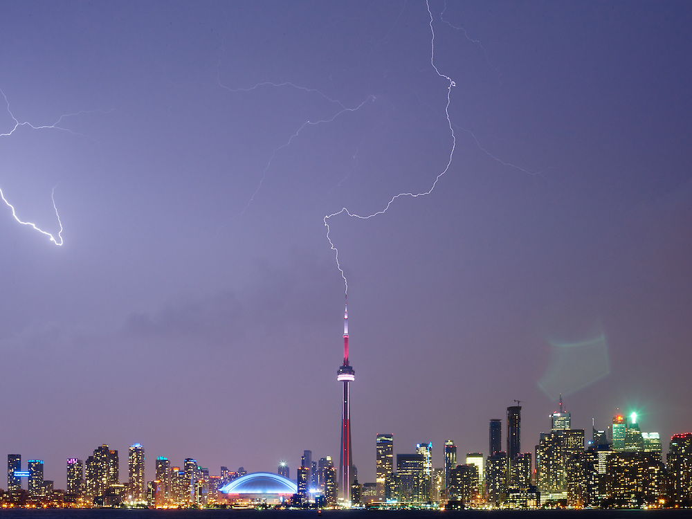 http://Duncan.co/cn-tower-lightning/<br />