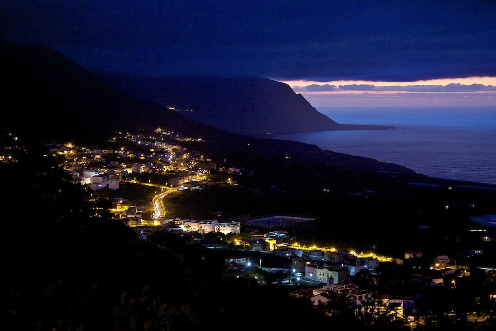 05/Abril/2014 Islas Canarias. El Hierro<br /> Vista nocturna de Frontera.<br /> <br /> © JOAN COSTA