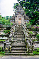 Bali, Bangli, Pura Kehen. The stairway leading up to the entrance of Pura Kehen.
