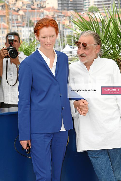 Tilda Swinton - Béla Tarr - The Man from London - Photocall Festival de Cannes 23/05/2007 - JSB / PixPlanete