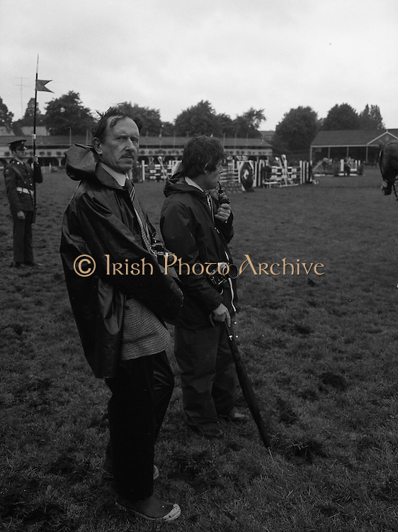 07/08/1980<br /> 08/07/1980<br /> 07 August 1980<br /> R.D.S. Horse Show: John Player Top Score Competition, Ballsbridge, Dublin. Some of the Press photographers at the event. Tom Burke on right and Dougie Doggan.