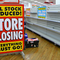 London Dec 30 Woolworths will continue its slow demise with more than 150 branches closing today including their oldest Croydon store , as the crisis gripping the high street spreads. ..Please telephone : +44 (0)845 0506211 for usage fees .***Licence Fee's Apply To All Image Use***.IMMEDIATE CONFIRMATION OF USAGE REQUIRED.*Unbylined uses will incur an additional discretionary fee!*.XianPix Pictures  Agency  tel +44 (0) 845 050 6211 e-mail sales@xianpix.com www.xianpix.com