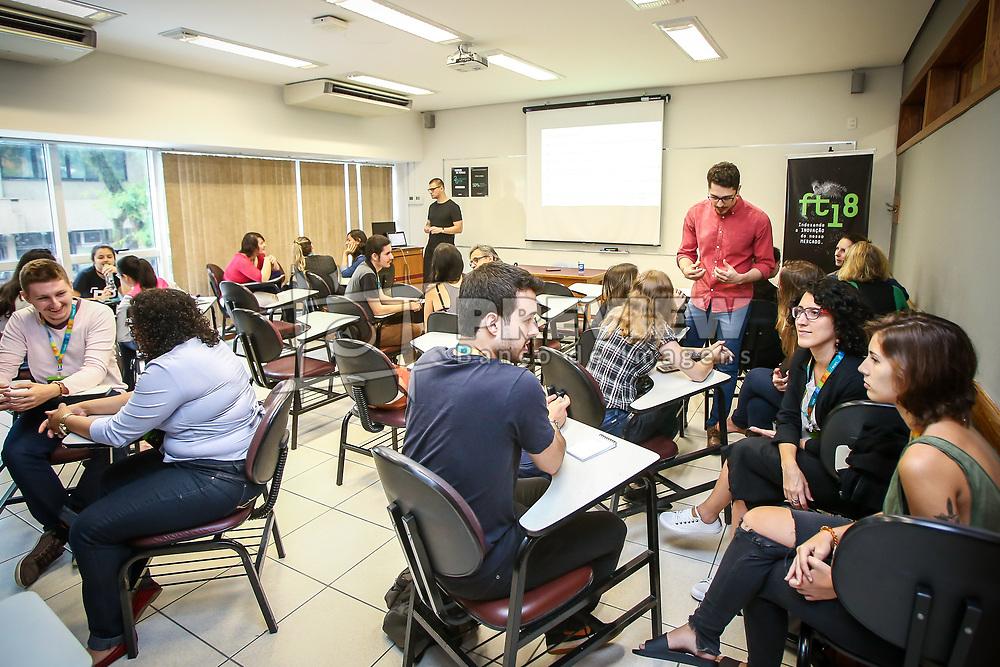 André Kolb palestra Gestão emocional e o impacto na era 4.0, durante o #FT18, realizado pela ADVB-RS, na ESPM-Sul. Inspirado em alguns dos maiores eventos do mundo de inovação e tendências (SXSW, Cannes Lions e Burning Man), o #FT18 é maior hub de conteúdo da história de Porto Alegre.  Foto: Gustavo Granata / Agência Preview