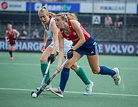 AMSTELVEEN -   Lily Owsley (Eng) met Sarah Hawkshaw (Ier) tijdens de wedstrijd dames , Ierland-Engeland (1-5) bij het  EK hockey , Eurohockey 2021.COPYRIGHT KOEN SUYK