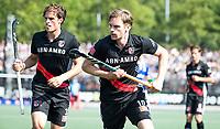 UTRECHT -  Mirco Pruyser (A'dam)  met Boris Burkhardt (A'dam)   tijdens   de finale van de play-offs om de landtitel tussen de heren van Kampong en Amsterdam (3-1). Kampong kampong kampioen van Nederland. COPYRIGHT  KOEN SUYK