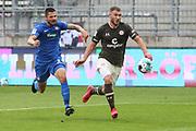 Fussball: 2. Bundesliga, FC St. Pauli - 1. FC Heidenheim, Hamburg, 27.09.2020<br /> Maximilian Dittgen (Pauli, r,.) auf dem Weg zum Treffer zum 4:0<br /> © Torsten Helmke