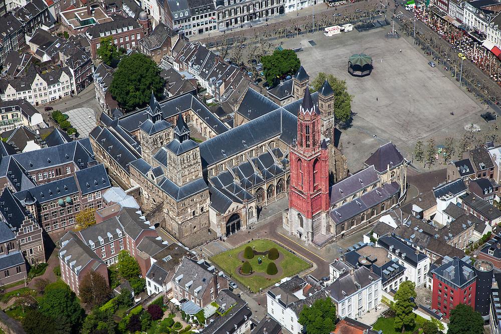 Nederland, Limburg, Gemeente Maastricht, 27-05-2013; <br /> Vrijthof met terrassen en muziektent in het historische centrum vam Maastricht, rode toren van de Sint Janskerk staat naast de Sint Servaasbasiliek,  Links Sint Jansklooster en Onder de Bogen. <br /> Vrijthof with terraces and bandstand in the historic center of Maastricht, red tower of St Jan's Church is next to the Basilica of St. Servaas.<br /> luchtfoto (toeslag op standaardtarieven);<br /> aerial photo (additional fee required);<br /> copyright foto/photo Siebe Swart.