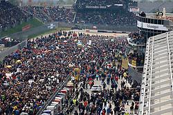 MOTORSPORT: 38. Internationales 24 Stunden-Rennen am Nuerburgring, 15.05.2010<br /> Illustration, Startaufstellung, Rennstrecke, Boxengasse<br /> © pixathlon