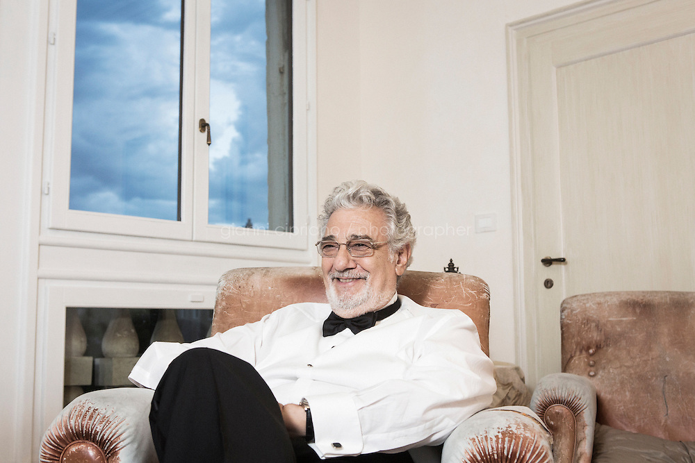 """VENICE, ITALY - 13 JULY 2016: Tenor and conductor Placido Domingo (75) is here as he is being interviewed by New York Times journalist Michael Cooper at the Palazzo Benzon Foscolo, before heading to the set of the third season of """"Mozart in the Jungle"""" where he will interpret himself, in Venice, Italy, on July 13th 2016.<br /> <br /> Mozart in the Jungle is an award-winning television series produced by Picrow for Amazon Studios. The pilot was written by Roman Coppola, Jason Schwartzman, and Alex Timbers and directed by Paul Weitz. The story was inspired by Mozart in the Jungle: Sex, Drugs, and Classical Music, oboist Blair Tindall's 2005 memoir of her professional career in New York."""