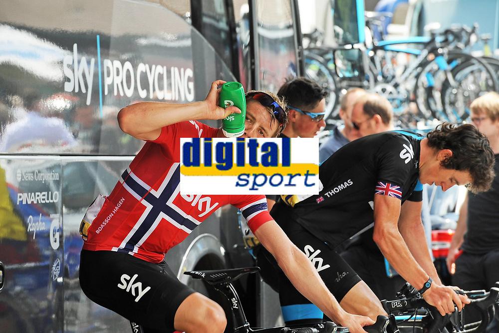 Sykkel<br /> 02.06.2013<br /> Foto: imago/Digitalsport<br /> NORWAY ONLY<br /> <br /> Criterium du Dauphine 2013 1. Etappe Champery - Champery Das SKY Procycling Team beim Ausfahren auf der Rolle - hier mit Edvald BOASSON HAGEN (NOR) und Geraint THOMAS (GBR)