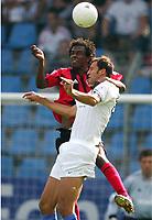 15.08.2004, vorne Vratislav Lokvenc, Roque Junior Leverkusen<br /> Bundesliga VfL Bochum - Bayer 04 Leverkusen
