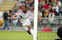 Fotball<br /> Frankrike<br /> Foto: Dppi/Digitalsport<br /> NORWAY ONLY<br /> <br /> FOOTBALL - EUROPEAN UNDER 21 CHAMPIONSHIP 2006 - GROUP A - PORTUGAL v FRANKRIKE - 23/05/2006<br /> <br /> JOY FLORENT SINAMA PONGOLLE (FRA) AFTER GOAL