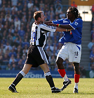 Fotball<br /> Premier League 2004/05<br /> Portsmouth v Newcastle<br /> 19. mars 2005<br /> Foto: Digitalsport<br /> NORWAY ONLY<br /> Portsmouth's Linvoy Primus and Newcastle's Lee Bowyer square up to one another.