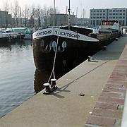 haven van Huizen, schip 't Lichtschip kade