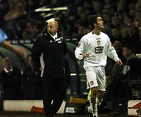 Fotball<br /> Championship England 2004/05<br /> Leeds United v Queens Park Rangers<br /> 20. november 2004<br /> Foto: Digitalsport<br /> NORWAY ONLY<br /> A DEJECTED QPR MANAGER IAN HOLLOWAY AND DANNY PUGH LEEDS