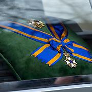 NLD/Rotterdam/20180220 - Herdenkingsdienst Ruud Lubbers, aankomst rouwstoet, koninklijke onderscheidingen