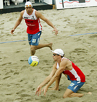Volleyball, Sandvolleyball, World Tour Stavanger, Grand Slam, 02/07-05, <br />Bård Inge Pettersen i mottak og Ivar Horrem,<br />Foto: Halvard Hofsmo, Digitalsport