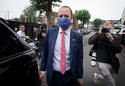 © Licensed to London News Pictures. 17/06/2021. London, UK. Health Secretary MATT HANCOCK leaves his London home. Former chief advisor to number 10, Dominic Cummings, has released a series of private WhatsApp conversations with Prime Minister Boris Johnson, in which the PM was critical of the health secretary. Photo credit: Ben Cawthra/LNP