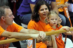 18-09-2011 VOLLEYBAL: DELA TROPHY NEDERLAND - TURKIJE: ALMERE<br /> Nederland wint met 3-0 van Turkije en wint hierdoor de DELA Trophy / Oranje support publiek<br /> ©2011-FotoHoogendoorn.nl