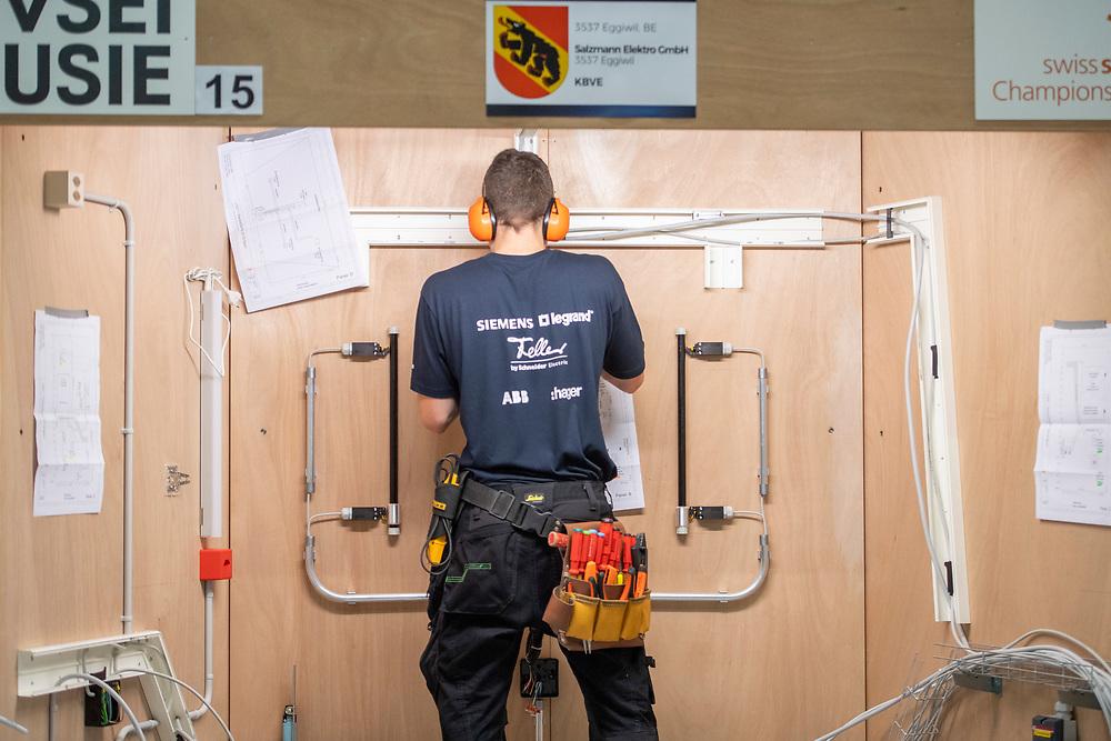 12. September 2018; Bern; SwissSkills 2018  - 2. Tag  - Elektroinstallateur/in EFZ / Installateur-electricien CFC / Installatrice-electricienne CFC / Installatore elettricista (AFC) / Installatrice elettricista (AFC) / VSEI - Verband Schweizerischer Elektro-Installationsfirmen / USIE - Union Suisse des Installateurs-Electriciens / USIE - Unione Svizzera degli Installatori Elettricisti(Michael Zanghellini)