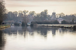 © Licensed to London News Pictures. 25/12/2018. Cambridge, UK. The view towards Fen Ditton from Cambridge after a heavy frost on Christmas morning. Photo credit: Rob Pinney/LNP