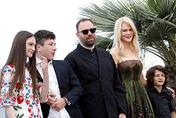 May 22, 2017 - Cannes, France - NICOLE KIDMAN, BARRY KEOGHAN, YORGOS LANTHIMOS, RAFFEY CASSIDY - Cannes 2017 - The Killing of a Sacred Deer / Mise à mort du cerf sacré photocall during Cannes Film Festival in Cannes, France, 22/05/2017. # 70EME FESTIVAL DE CANNES - PHOTOCALL 'MISE A MORT DU CERF SACRE' (Credit Image: © Visual via ZUMA Press)