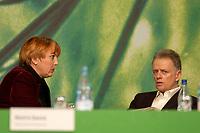 29 NOV 2003, DRESDEN/GERMANY:<br /> Claudia Roth, MdB, B90/Gruene, ehem. Bundesvorsitzender, und Fritz Kuhn, B90/Gruene, ehem. Bundesvorsitzender, im Gespraech, 22. Ordentliche Bundesdelegiertenkonferenz Buendnis 90 / Die Gruenen, Messe Dresden<br /> IMAGE: 20031129-01-062<br /> KEYWORDS: Bündnis 90 / Die Grünen, BDK, Gespräch<br /> Parteitag, party congress, Bundesparteitag